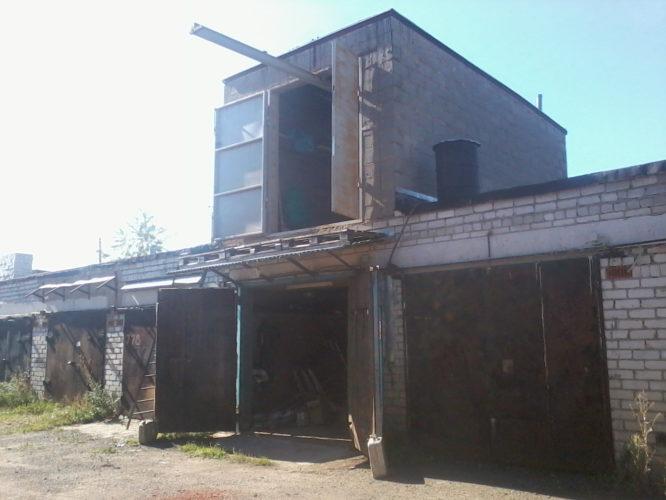 Двухэтажный гараж из газосиликатных блоков